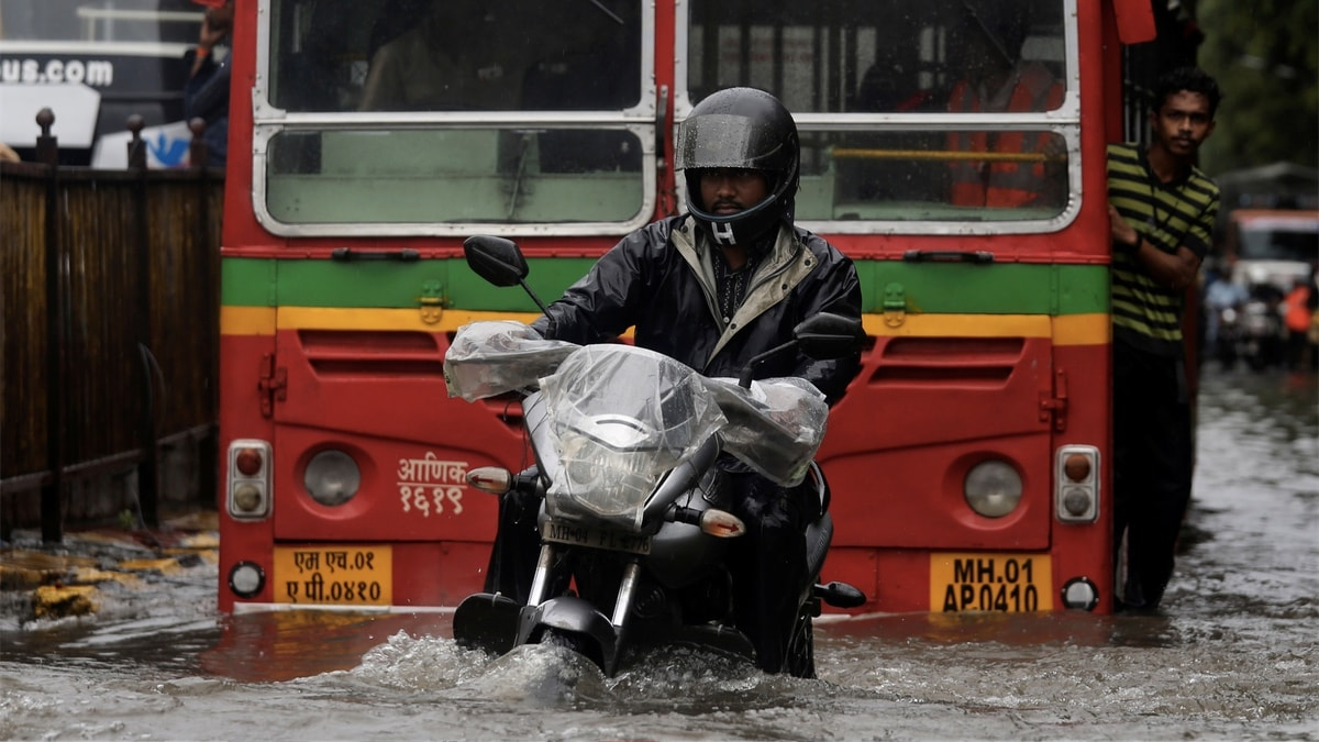Mumbai Rains: How to Report Road Closure on Google Maps