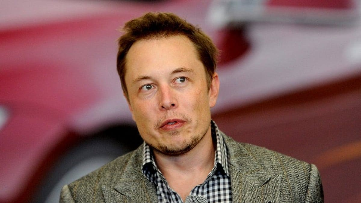 Elon Musk Proposes Using Solar Reflectors Instead of Nukes to Warm Up Mars