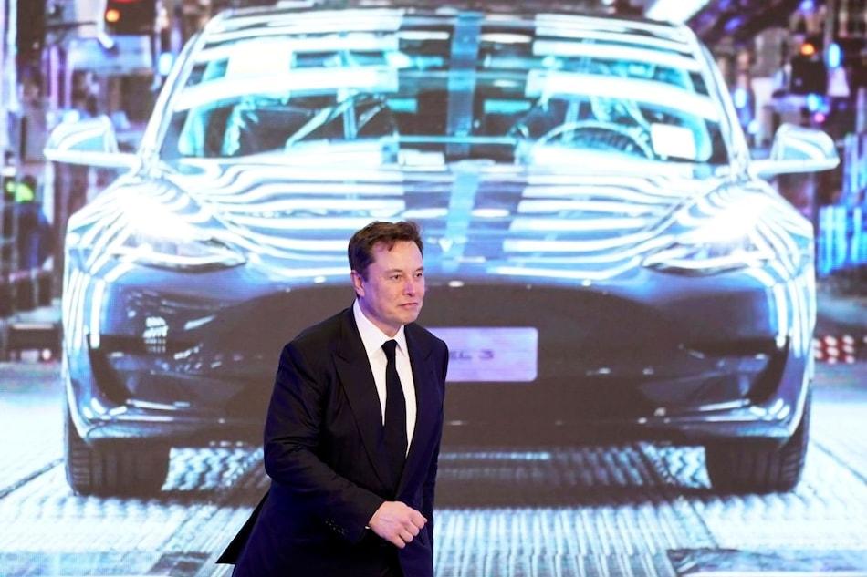 Tesla's Value Drops $50 Billion as Musk's Promised Cheaper Battery 3 Years Away