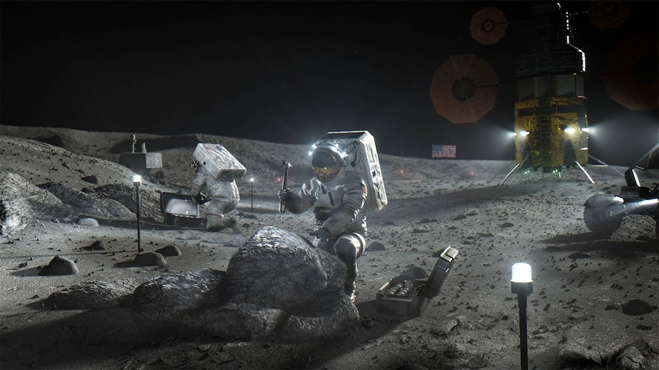Elon Musk Comes Forward to Assist NASA With Spacesuits as Moon Mission Pushed to April 2025