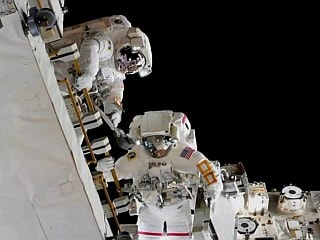NASA Astronauts Complete Spacewalk to Swap Batteries for ISS Power Upgrades