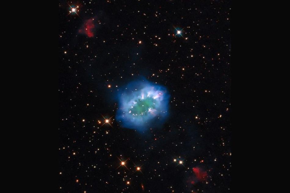 NASA Captures Image Of Interaction Between Doomed Stars 15,000 Light-Years Away