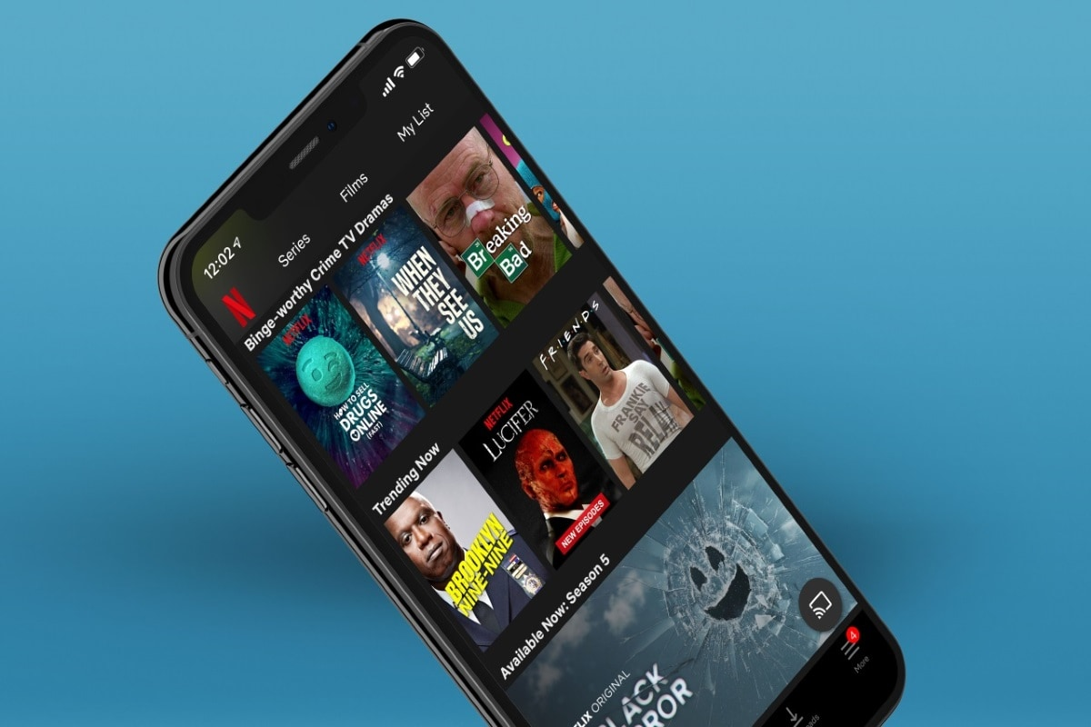 Netflix Tests Instagram-Like 'Extras' Scrollable Feed on Android, iOS