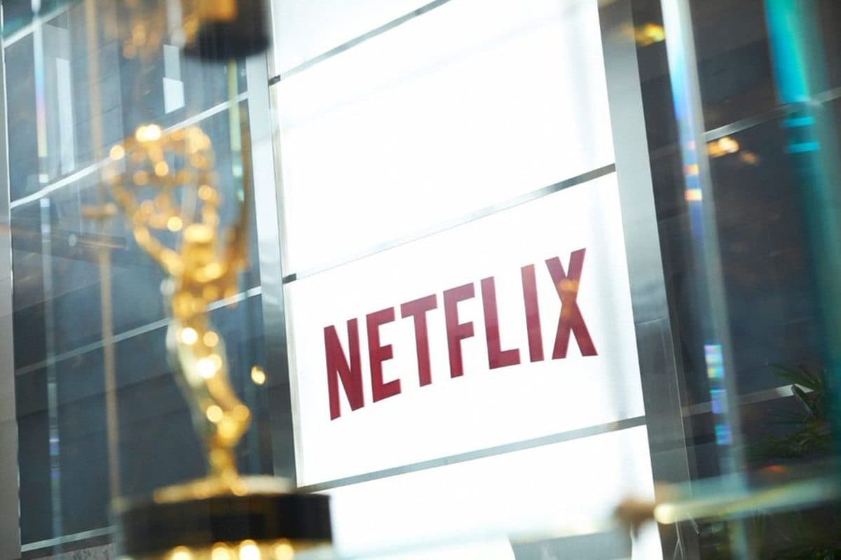 Netflix surpasses 200 million subscribers for the first time