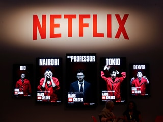 Netflix Sued by 'Panama Papers' Law Firm Over The Laundromat Film