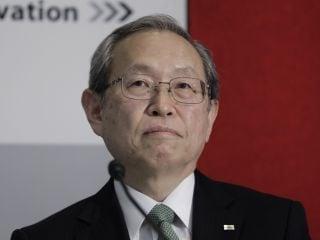 Toshiba CEO Nobuaki Kurumatani Resigns as Buyout Offer Stirs Turmoil