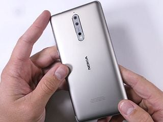 Nokia 8 को एंड्रॉयड 8.0 ओरियो अपडेट मिलना शुरू