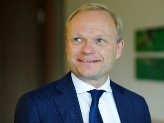 Nokia's New CEO Pekka Lundmark Adopts Wait and See Strategy in 'Dream Job'