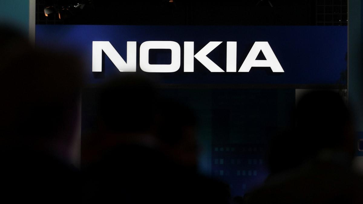 Nokia Posts Surprise Profit but Flags Tough Times Ahead