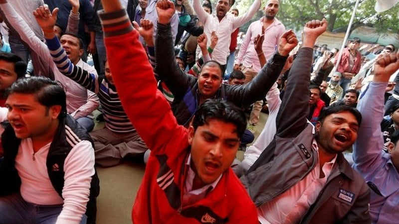 Uber, Ola Drivers in Bengaluru Protest With Indefinite Fast