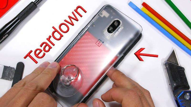 OnePlus 6T Teardown reveals the camera lens in the optical fingerprint sensor in the display