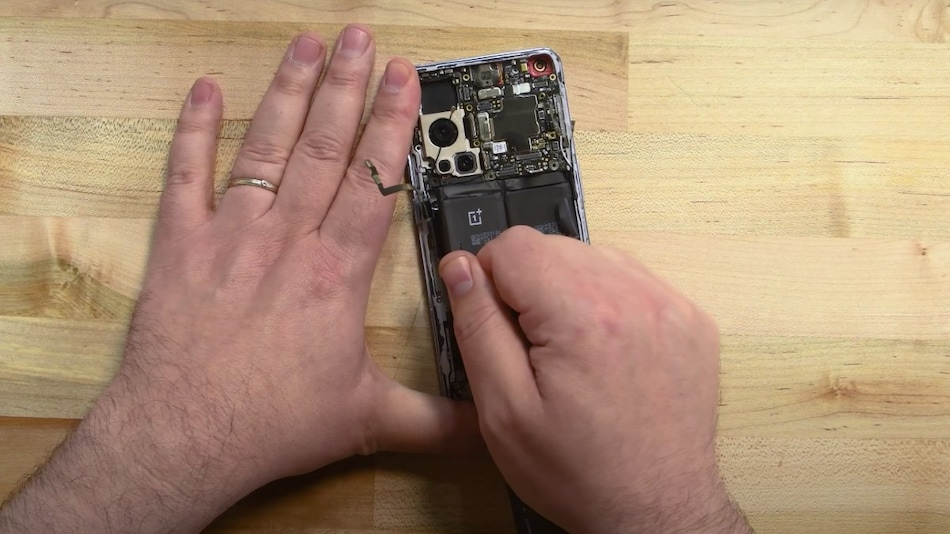 OnePlus 9 Pro Teardown Video by iFixit Shows What's Most Difficult to Repair on the Flagship Phone