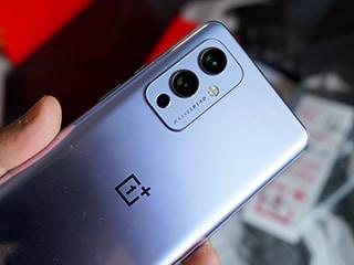 50MP कैमरा, 65W चार्जिंग सपोर्ट और 12GB रैम के साथ आएगा OnePlus 9RT फोन, स्पेसिफिकेशन लीक!