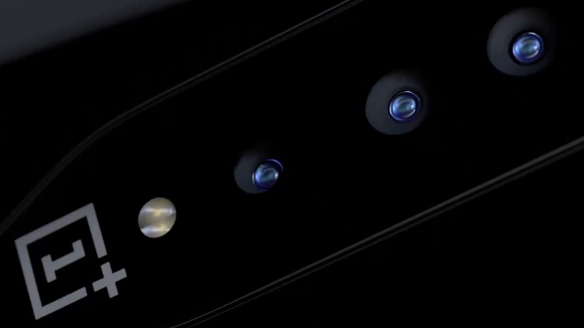 OnePlus Concept One Teased to Sport 'Invisible Camera' With Colour-Shifting Glass Technology