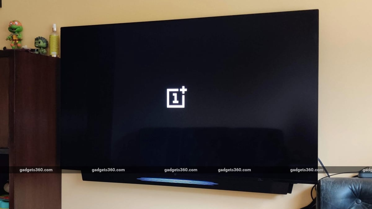 oneplus tv q1 pro review logo OnePlus TV