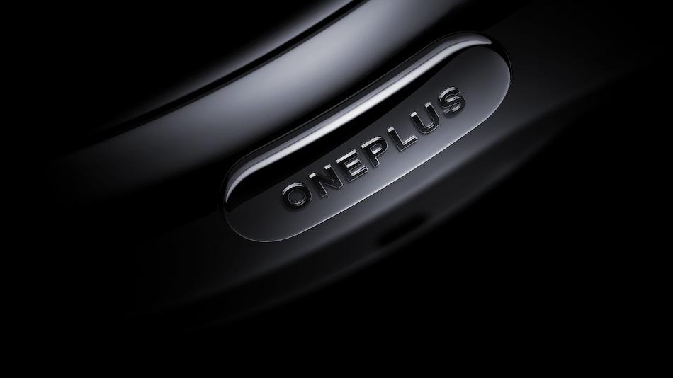 OnePlus Watch के स्पेसिफिकेशन लॉन्च से पहले लीक, वार्प चार्ज व IP68 रेटिंग से होगा लैस!