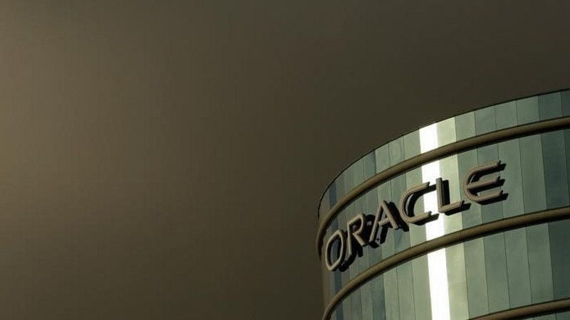 Oracle, Amazon Spar Over Pentagon Cloud-Computing Contract