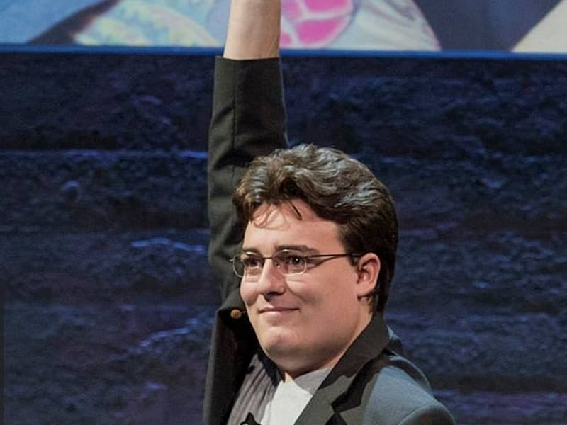 Palmer Luckey, Oculus VR Co-Founder, Leaves Facebook
