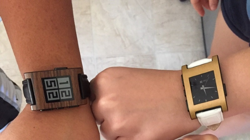 Pebble App Update Lets Smartwatches Work Offline, After Pebble's Servers Go Dark