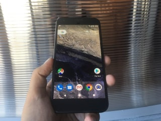 Hands On With the Google Pixel and Pixel XL
