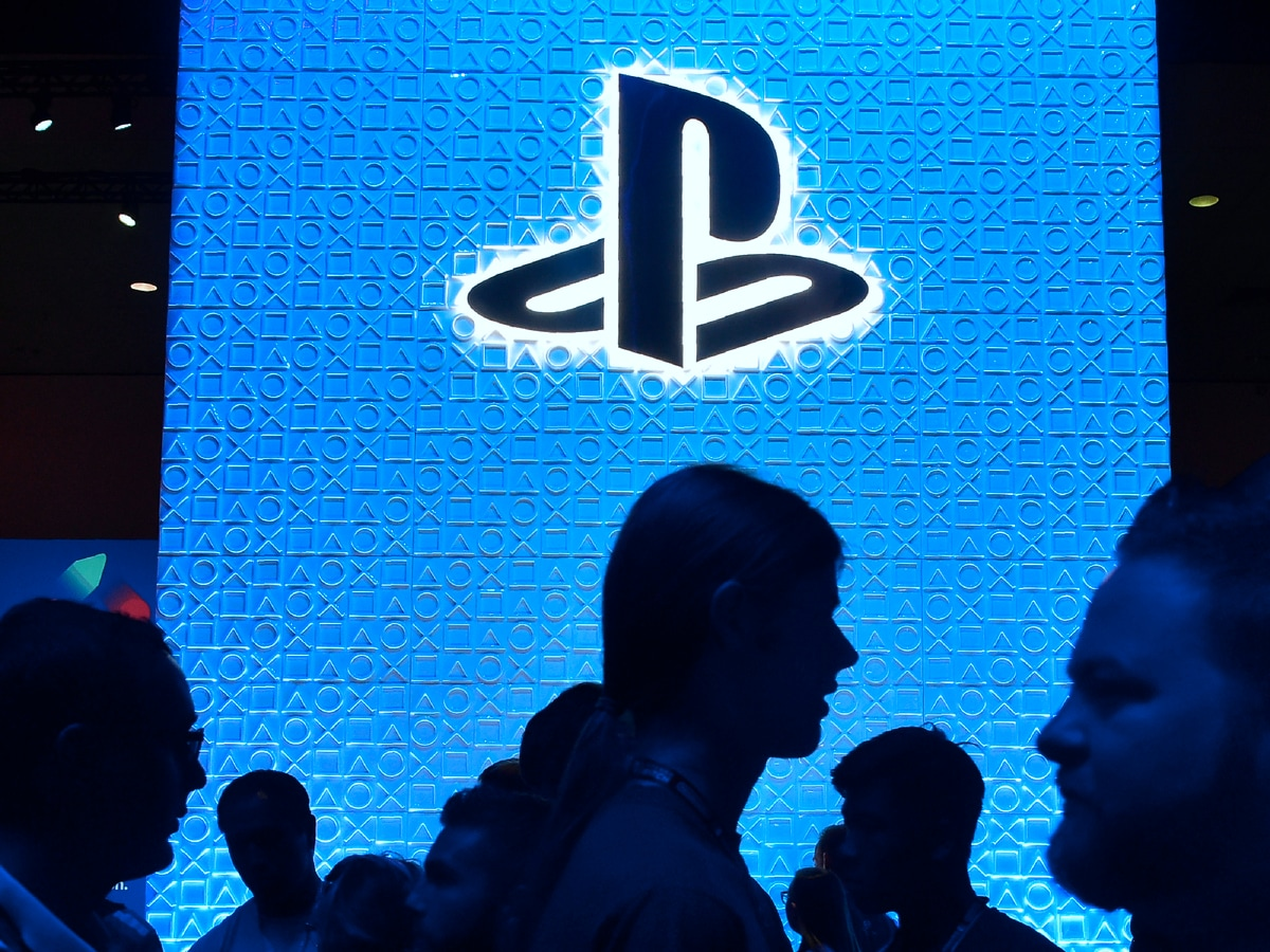 Sony PlayStation 5 Launch Set for Late 2020, Controllers to Feature Haptic Feedback and Adaptive Triggers