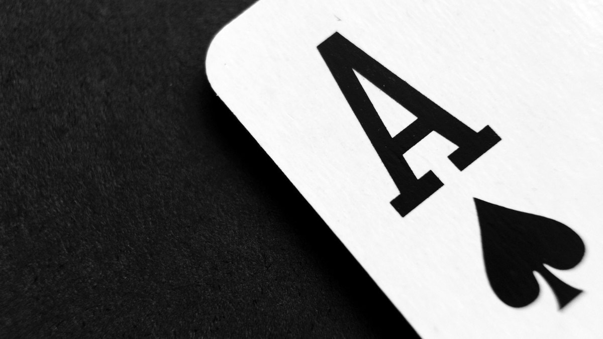 Ruthless, 'Superhuman' Poker-Playing Computer Program Beats Professionals
