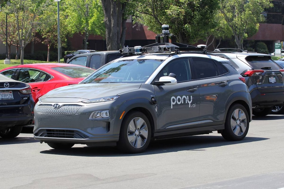 Self-Driving Startups Have a Secret Weapon for Driverless Cars: Additional Human Operators
