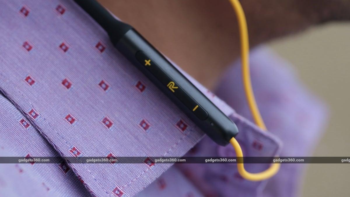 Realme Buds Wireless review controls Realme Buds Wireless