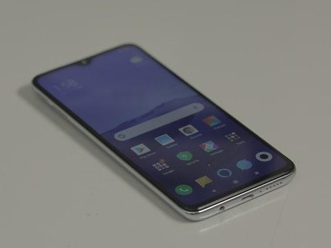 Poco F1 को मिलना शुरू हुआ Android 10 अपडेट