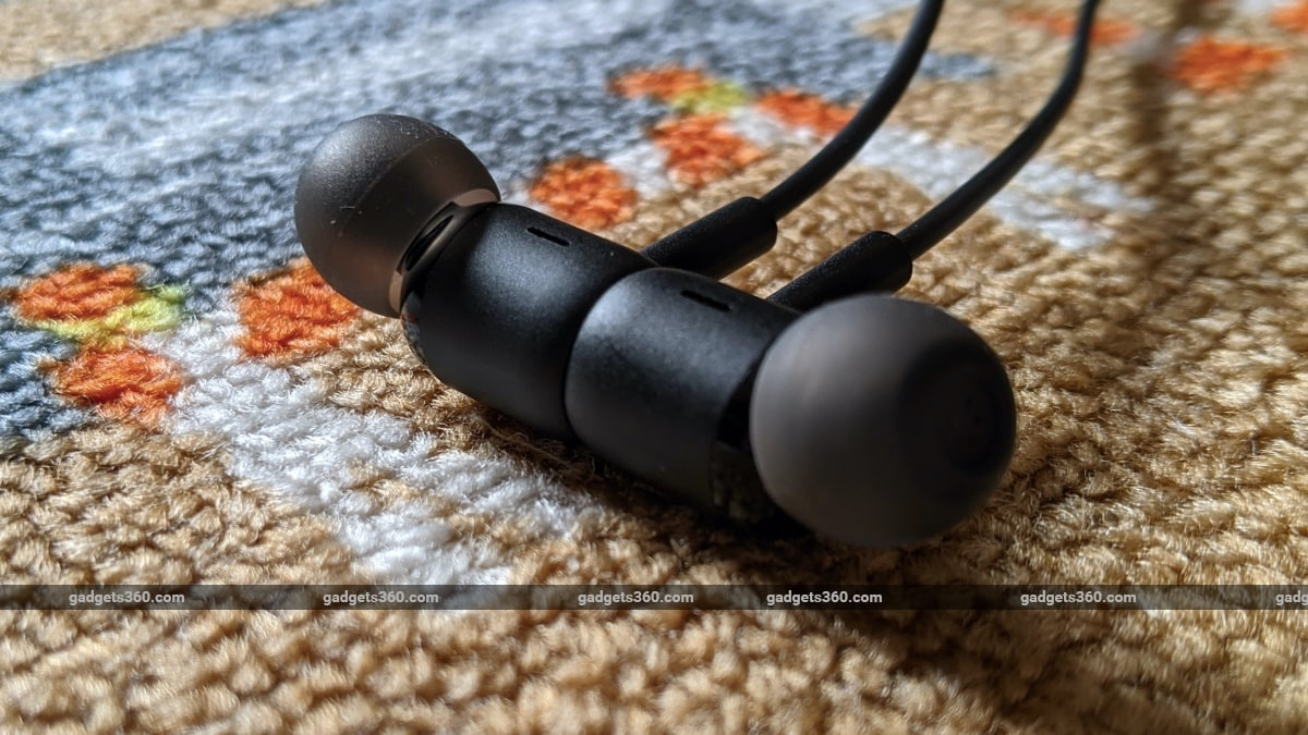 redmi sonicbass wireless earphones review magnet Redmi  Redmi SonicBass Wireless Earphones