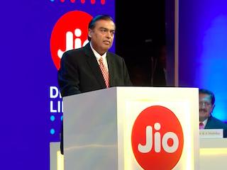 Mukesh Ambani Says Jio Helped Make India First in Mobile Broadband Consumption