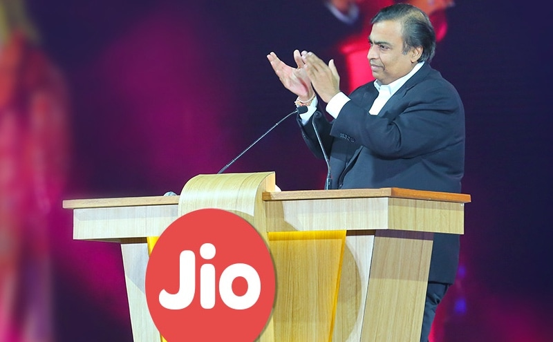 Why Reliance Jio's Feature Phone Makes a Lot of Sense