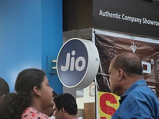 Reliance Jio 'Triple Cashback Offer' Extended Till December 25