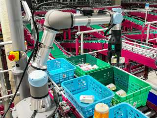 This Robot May Just Be What Retailers Need in Their Warehouses