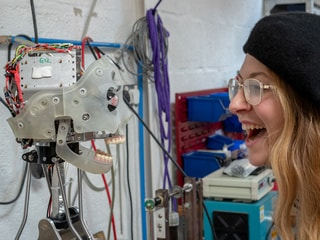 British Company's Ai-Da Robot Capable of Drawing People