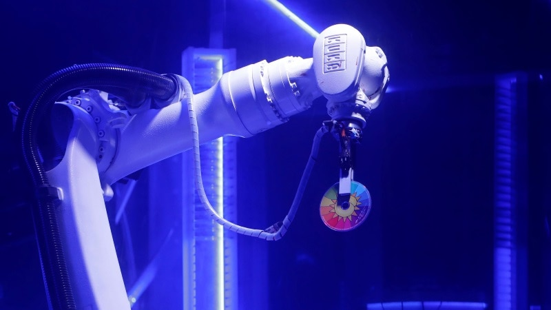 Robot DJ Puts the Tech Into Techno for Czech Clubbers