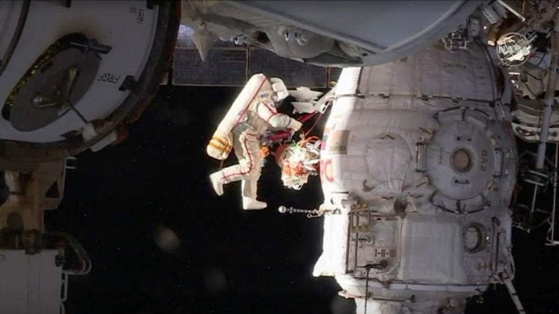 Russian Cosmonauts Take Samples on 6th Hour of Spacewalk to Crack Mystery - Gadgets 360