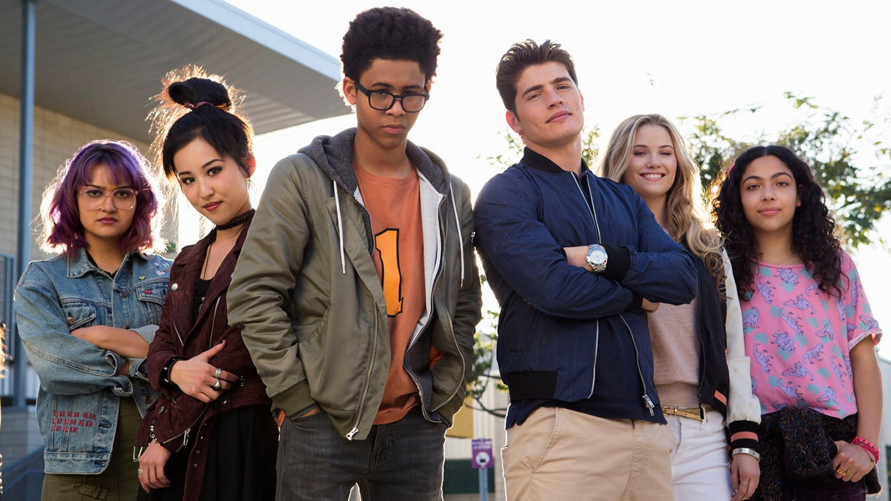 Marvel's Runaways Throws Magic, Religious Cult, and a Dinosaur in a Kids vs Parents Battle