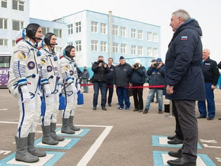 Russia Space Chief Spars With Elon Musk Over Launch Pricing
