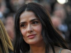 Salma Hayek Says Hollywood Actors Should Take Pay Cut For Equality