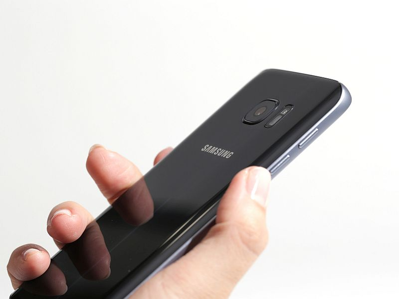 Samsung Galaxy S8 Tipped to Sport Optical Fingerprint Sensor