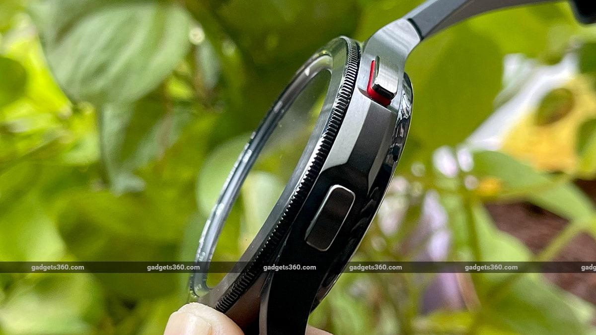 samsung galaxy 4 classic case gadgets360 Samsung Galaxy Watch 4 Classic First Impressions