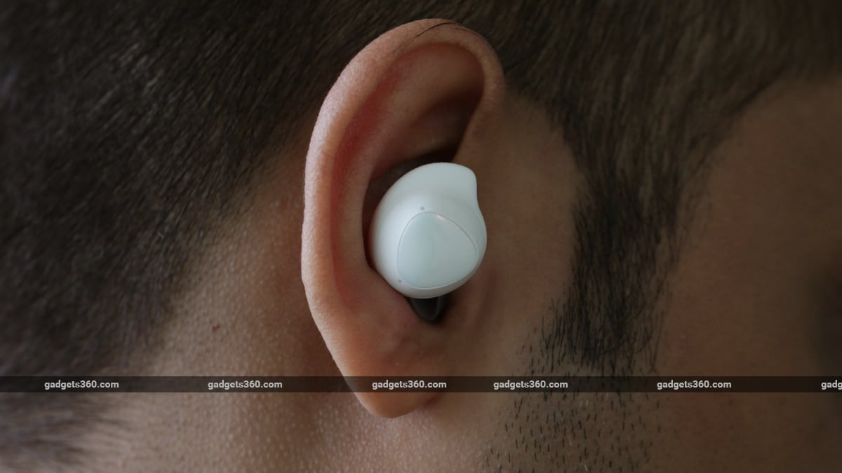 samsung galaxy buds plus review in ear Samsung  Samsung Galaxy Buds Plus