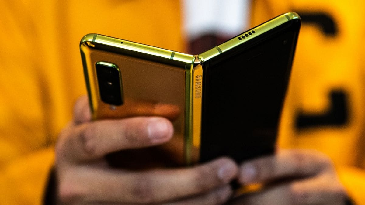 Samsung Galaxy Fold, Galaxy A20s India Price, Redmi 8 Teasers, Call of Duty: Mobile, and More Tech News This Week