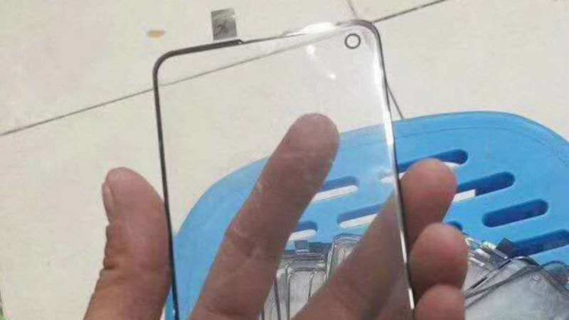 Samsung Galaxy S10 will have a smaller cutout than the A8s