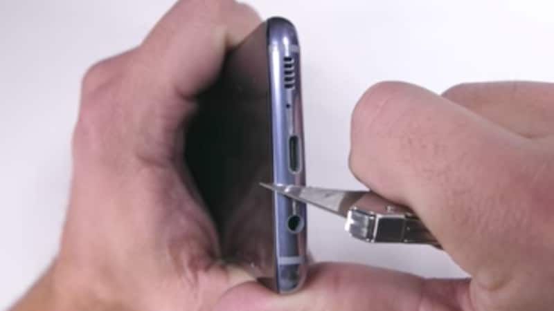 Samsung Galaxy S8 Seems to Stand Tall in First Durability Test