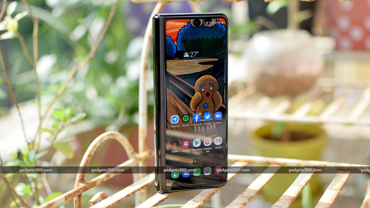 samsung galaxy z fold 3 review cover screen gadgets360 qq