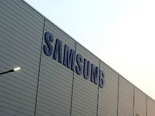 Samsung Noida Plant Sees Workers Stage Protest