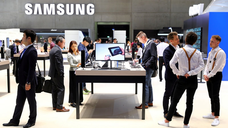 Samsung Q3 Profit Seen at Record, but Peaking, as Chips Shine