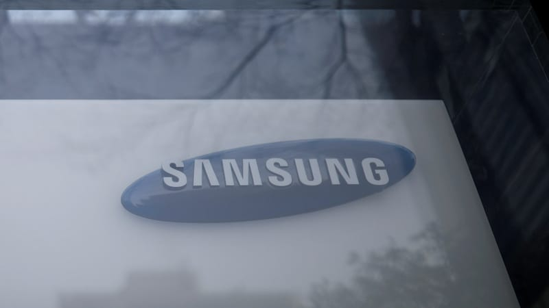 Samsung Electronics posts record Q3 on chip sales despite smartphone woes
